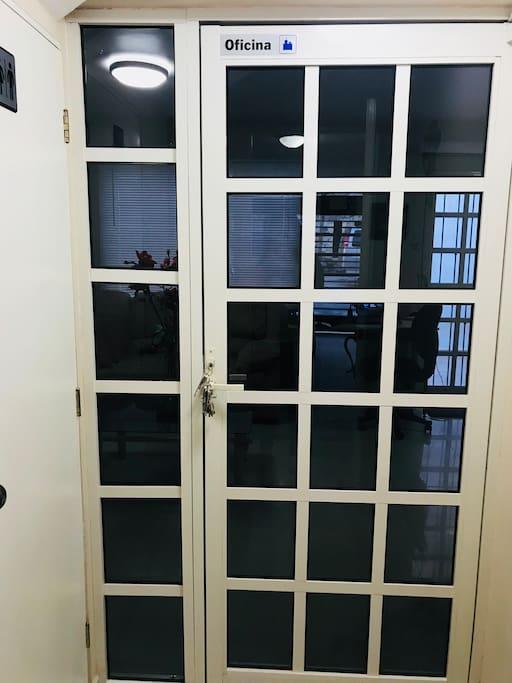 Entrada de Oficina Privada