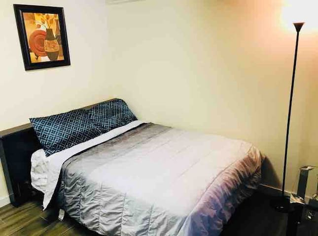 Bedroom 3/den