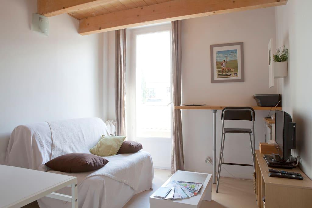 agr able duplex dans quartier pris appartements louer montpellier languedoc roussillon. Black Bedroom Furniture Sets. Home Design Ideas