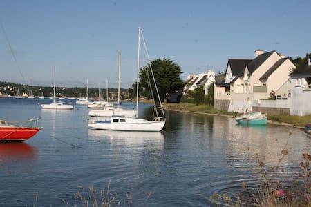 """""""Un loft sur la mer"""" , Cap Coz"""