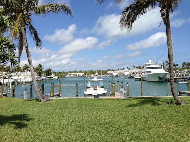 Waterfront Condo with Boat Slip - Treasure Cay - House