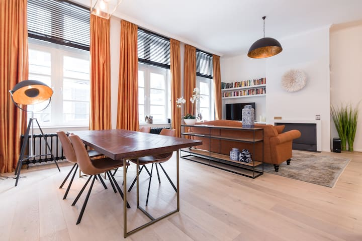HEART of Ghent! 15th Century stylish house - Gent - Apartment
