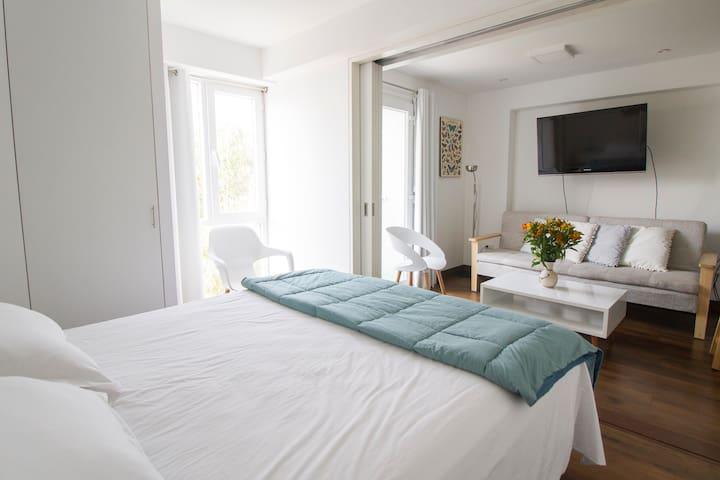 Dormitorio que puede cerrarse con puerta corrediza