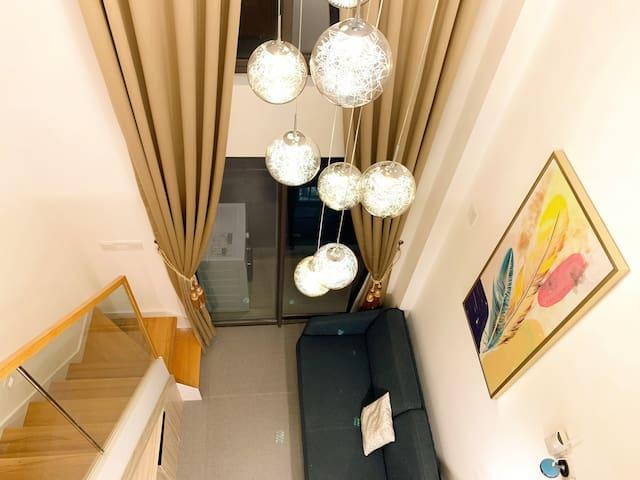 [悦舍_东江月]东莞市中心loft豪华复式公寓,夏日高档游泳池,消暑放松。