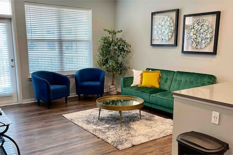 🖋Executive Suite|Prime location|Bars,shopping&more