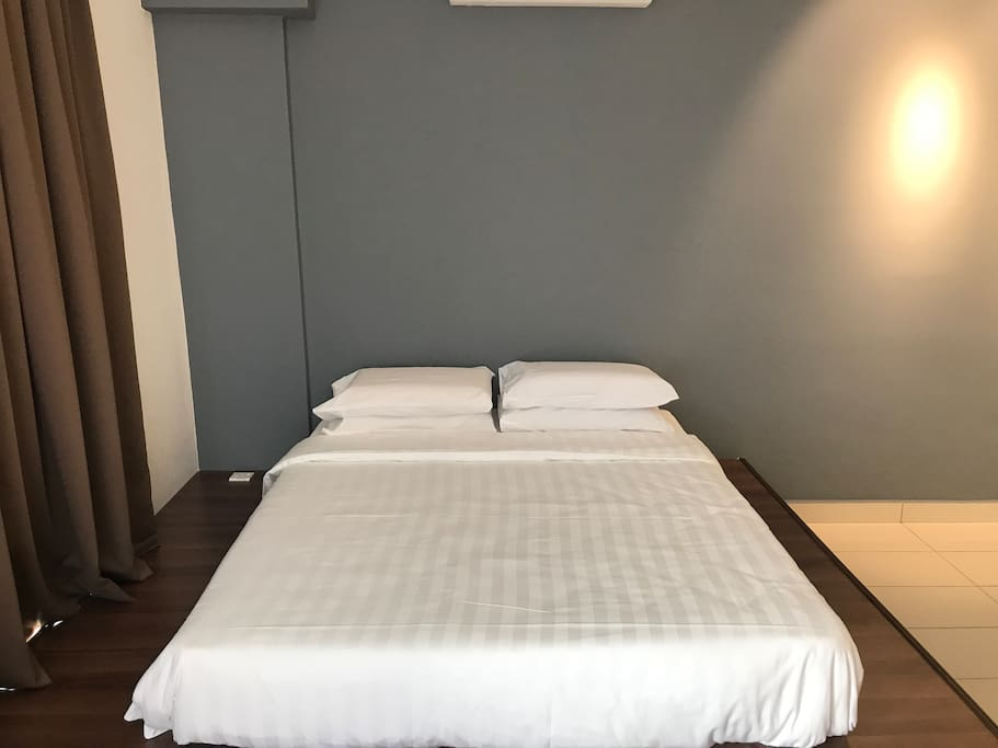High quality and comfortable bed (Hotel standard)