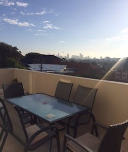 Mika's room in spacious top floor apartment - Stanmore