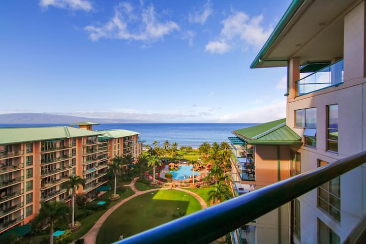 Feel the breeze in this waterfront studio w/ private lanai, resort pool, hot tub