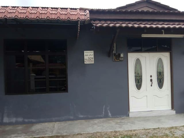 A humble 3 rooms double storey semi-d house at reasonable price
