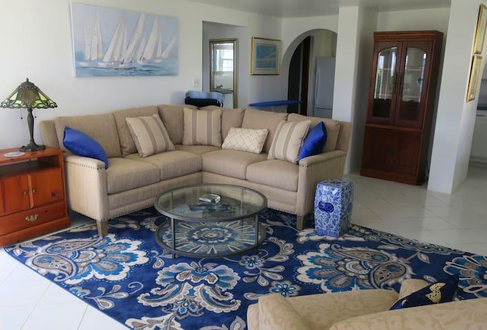 Elegant, private apartment with ocean views! - Devonshire Parish - Apartament