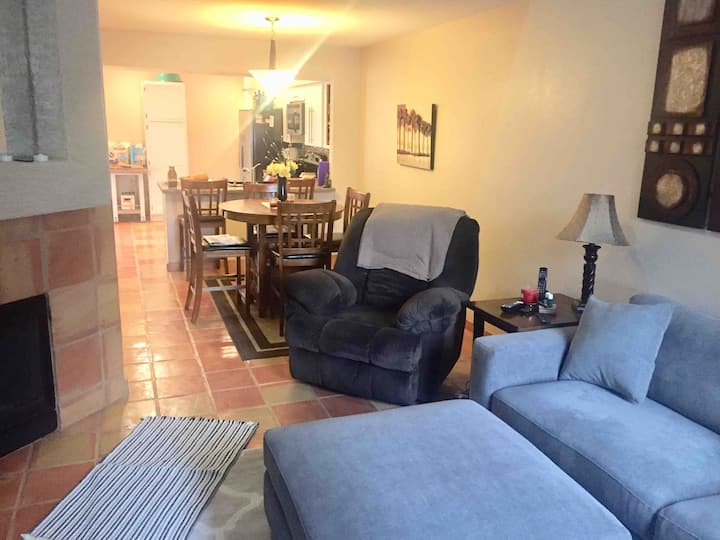 ♥️Beautiful 🌅adult-only home 🏡 in Sunny ☀️🌴Mesa 🖼
