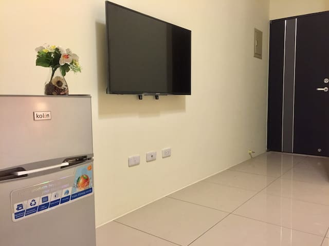 43吋液晶電視、雙層冰箱