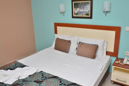 DENİZE 60 METRE ONLY ROOM - Kemer