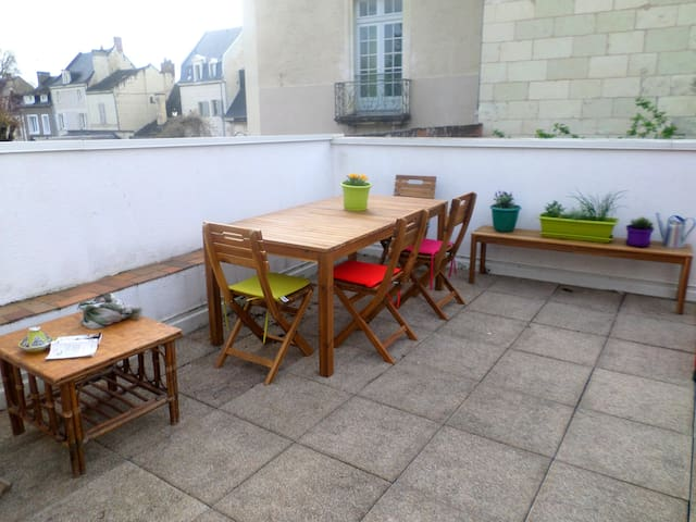 Joli appart terrasse centre ville Chinon - Chinon - Appartement