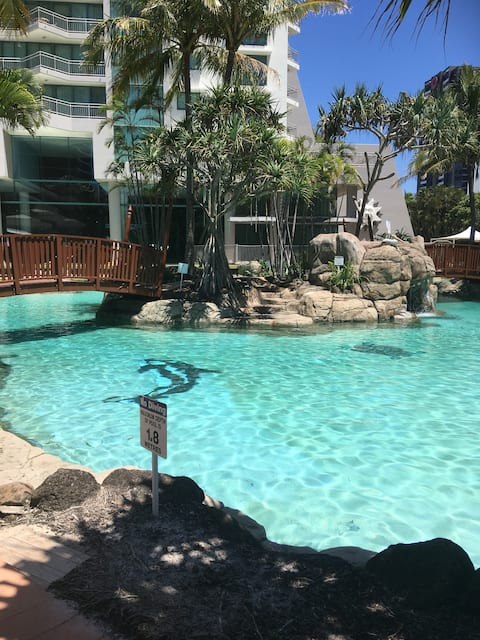 Crown Towers Beautiful 1 Bed Apt Surfers Paradise