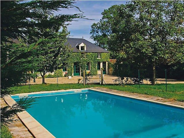 Maison de caractère, piscine privée 8 personnes - Vouvant - House