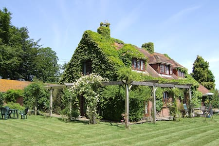 QUIET SECLUDED 4 STAR ACCOMMODATION - Winfrith Newburgh - Bed & Breakfast