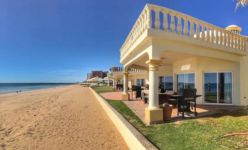 Gorgeous Beachfront Villa Sandy Beach, Rocky Point
