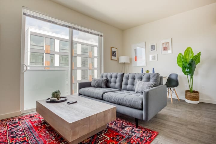 1BR in Redmond with On-Site Amenities