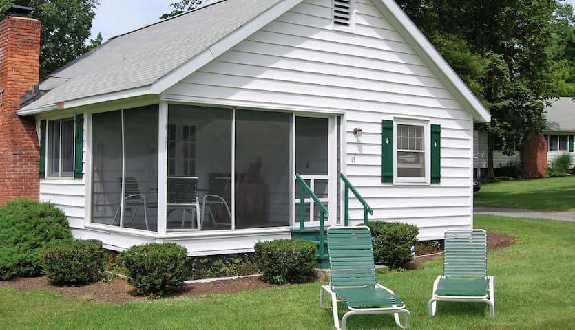 Cottage #19 Takundewide Cottages on Lake George - Cleverdale - Otros