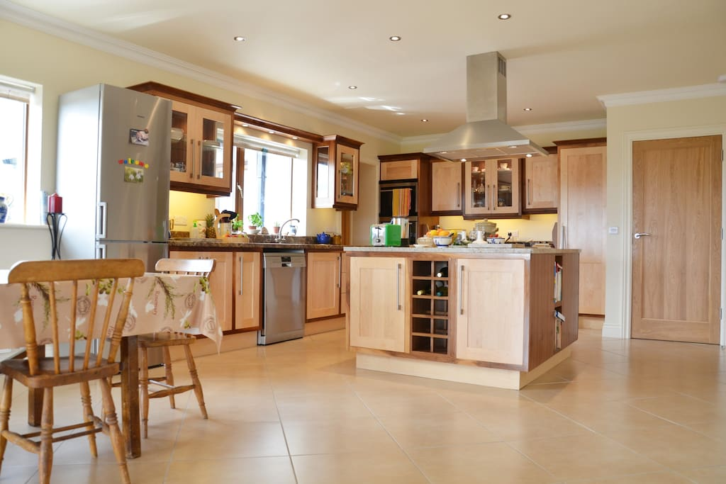 Large kitchen, fully equiped