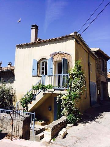 Drôme provençale Taulignan, maison de charme - Taulignan - House