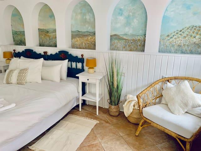 Private Room In Centrally Located Marbella B & B