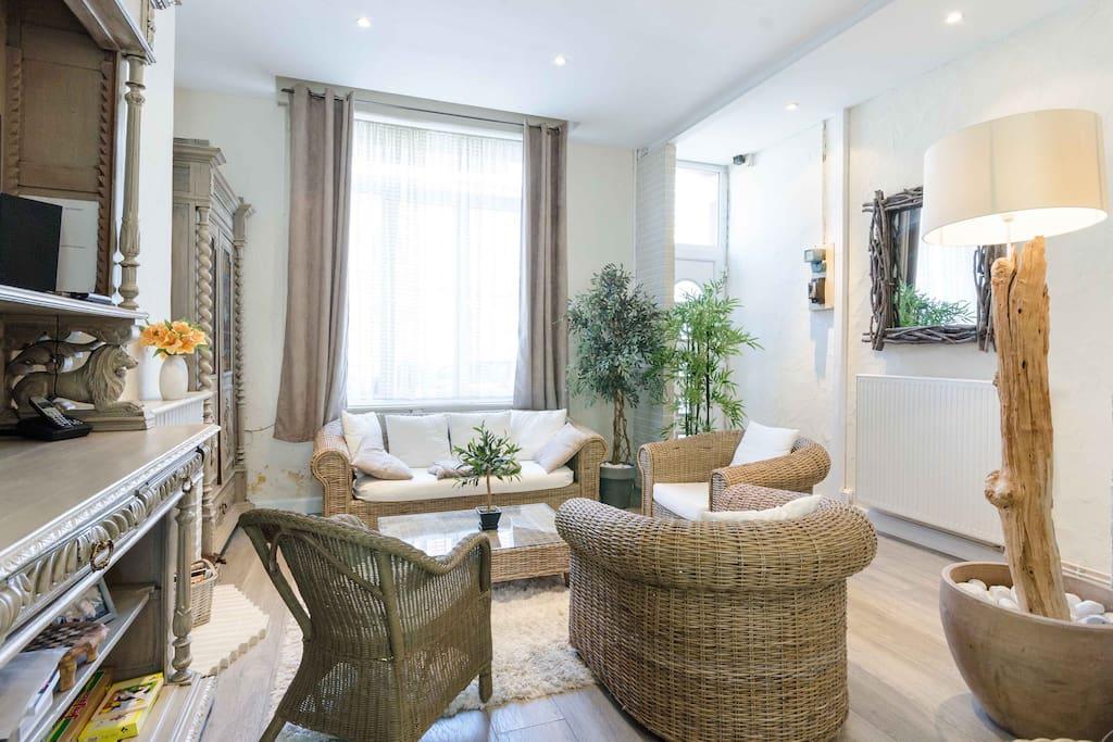 grande maison typique et moderne lille maisons de ville louer lille nord pas de calais. Black Bedroom Furniture Sets. Home Design Ideas