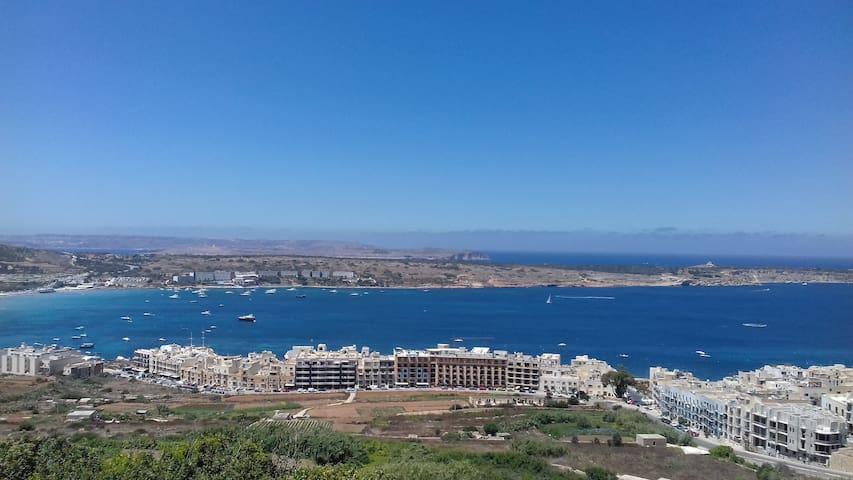 Santa Maria Estate Huge Sunny Villa for 10 persons