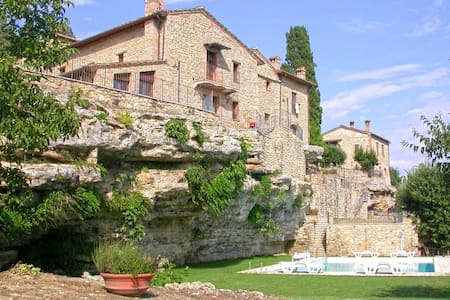 A Charming House in Asciano - Siena - Asciano
