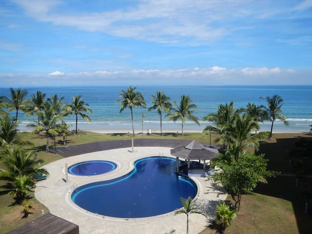 Stunning beachfront location ... - Kota Kinabalu - Apartament