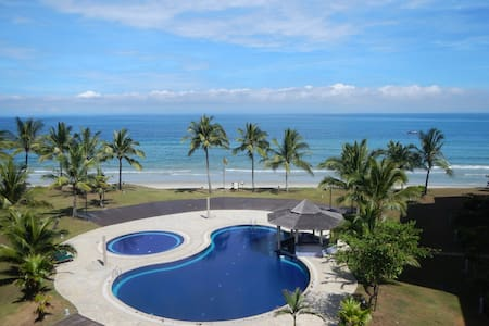 Stunning beachfront location ... - Kota Kinabalu - Huoneisto