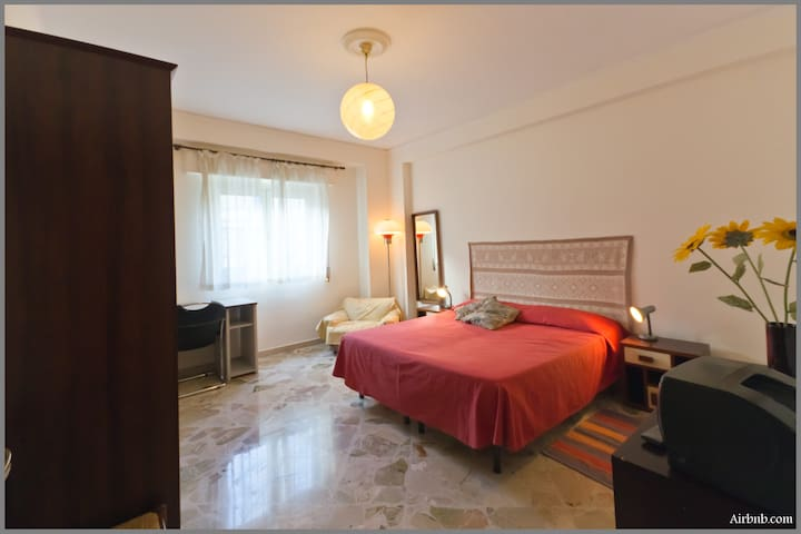 stanza da letto con possibilita' di letto aggiunto