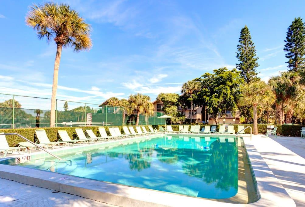 Take a dip in the pool before you hit the beach! You'll love having the option of a pool swim or swinign in the Gulf! Stop by lounge, take a dip, and have a nap. Our House at the Beach is just a 5-minute walk away from the beautiful white sands of Siesta