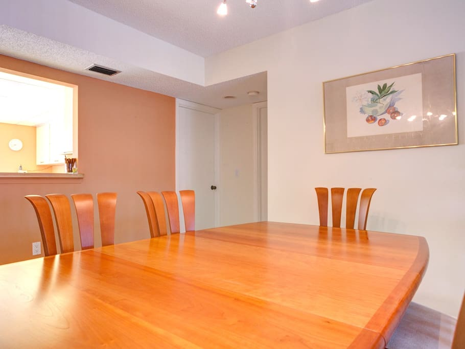 You're sure to have memorable meals at Our House. Gather around our beautiful, modern dining room table for memorable meals and engaging conversation! Our House at the Beach 222 is an ideal vacation rental for 2-4 adults in Siesta Key, Florida.