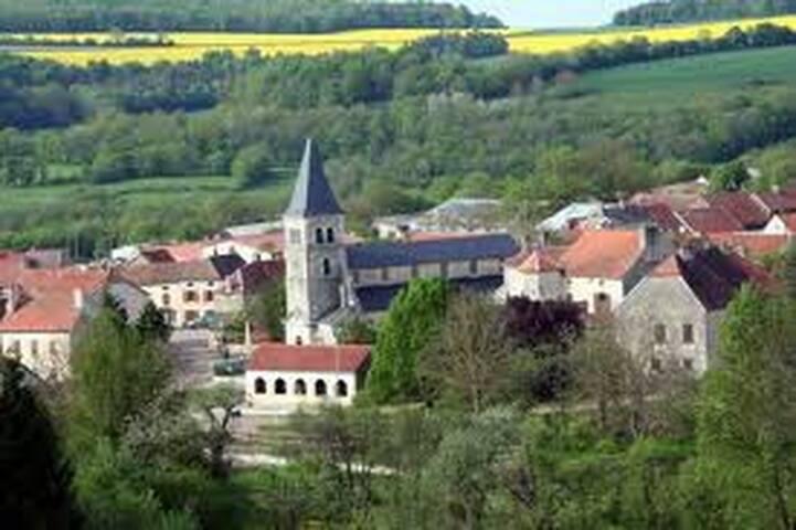 """studio """"les hirondelles"""" - Saint-Broing-les-Moines"""