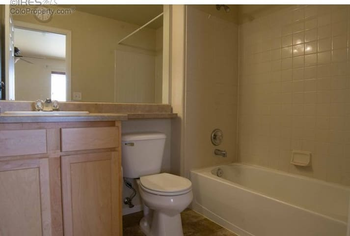 Sweet 2 Bdrm Condo with laundry, garage, yard...