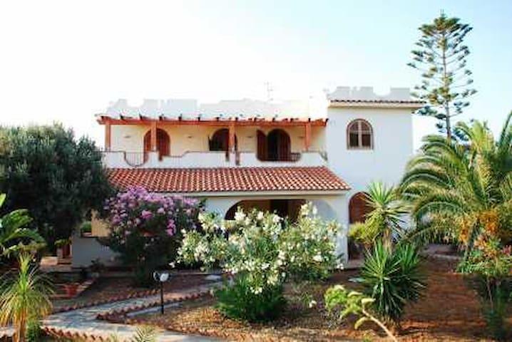 affittasi appartamento in villa  - Piana Calzata - อพาร์ทเมนท์