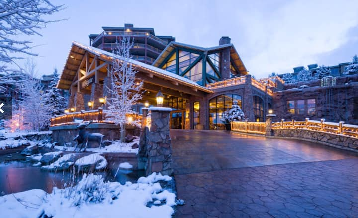 Westgate Resort & Spa -Ski to and from here!