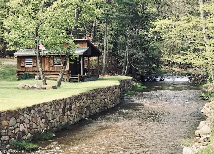 Mawpa Cottage - Newly Renovated Creekside Retreat