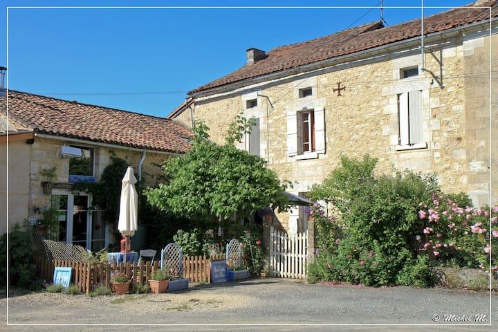 Au Coin du Feu, chambres d'hôtes - Aquitaine - Bed & Breakfast
