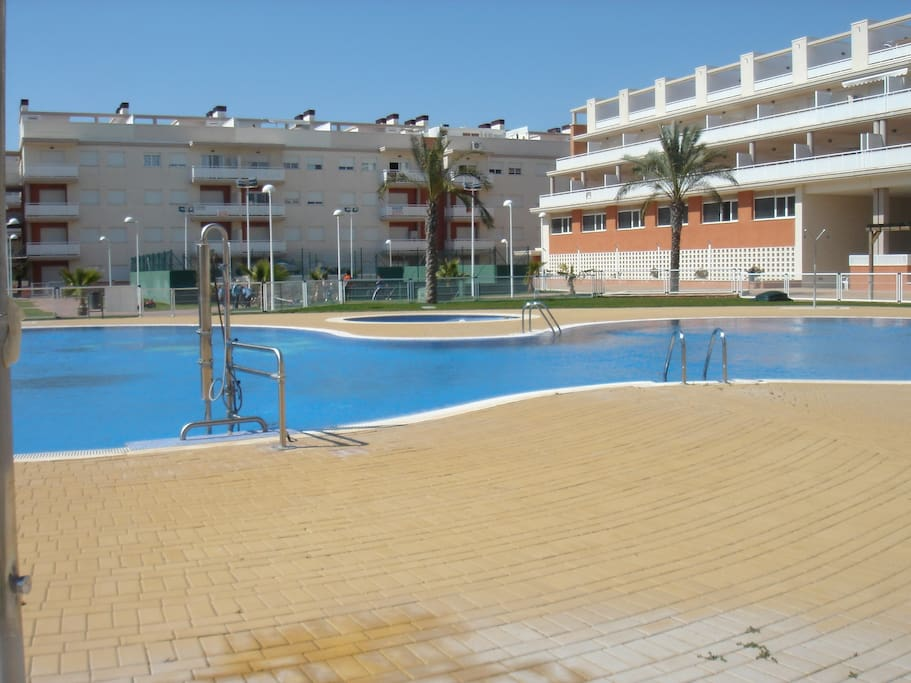 Apartamento con piscina apartments for rent in almenara for Piscina castellon