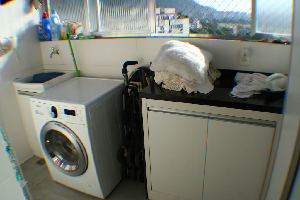 Laundry room and whash machine.