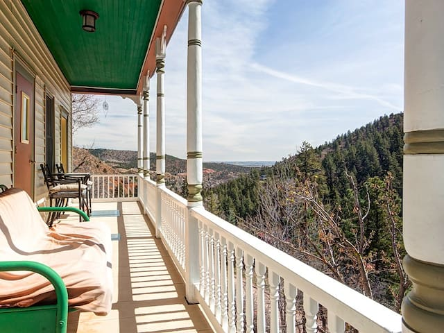 Creekside Cottage Bordering Barr Trail & PP Cogway - Manitou Springs - Casa