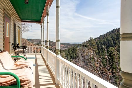Ruxton Retreat at the Cogway - Manitou Springs - Talo