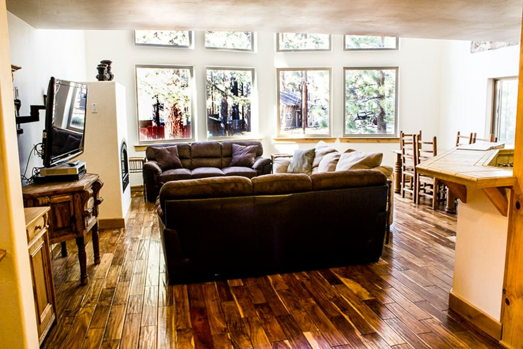 Very open Living area. Enjoy the comfy couches, TV and fireplace.