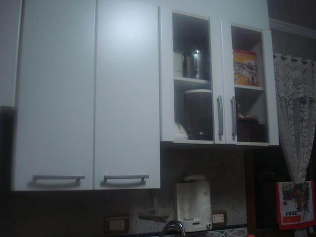 cozinha com armarios