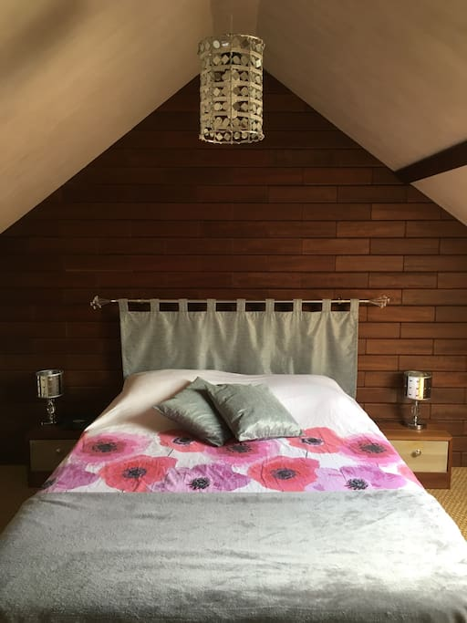 chambre 2 pas du circuit du mans 24h et classic maisons louer arnage pays de la loire. Black Bedroom Furniture Sets. Home Design Ideas