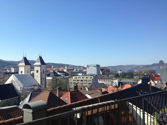 City view Bergen, spacious terrace.