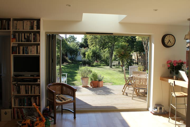 Spacious, light, comfortable private house - Normandy